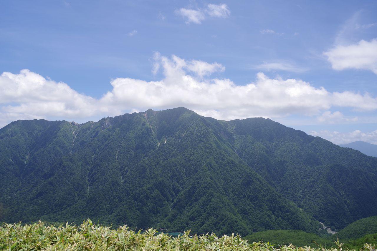焼岳小屋の展望台から見た霞沢岳