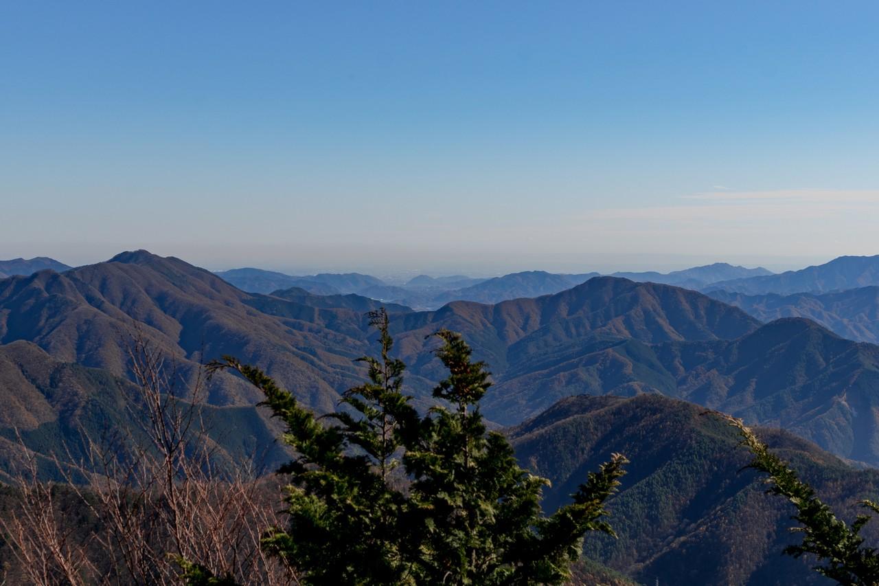 姥子山から見た北都留三山