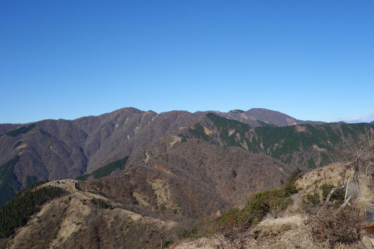 三ノ塔から見た丹沢表尾根