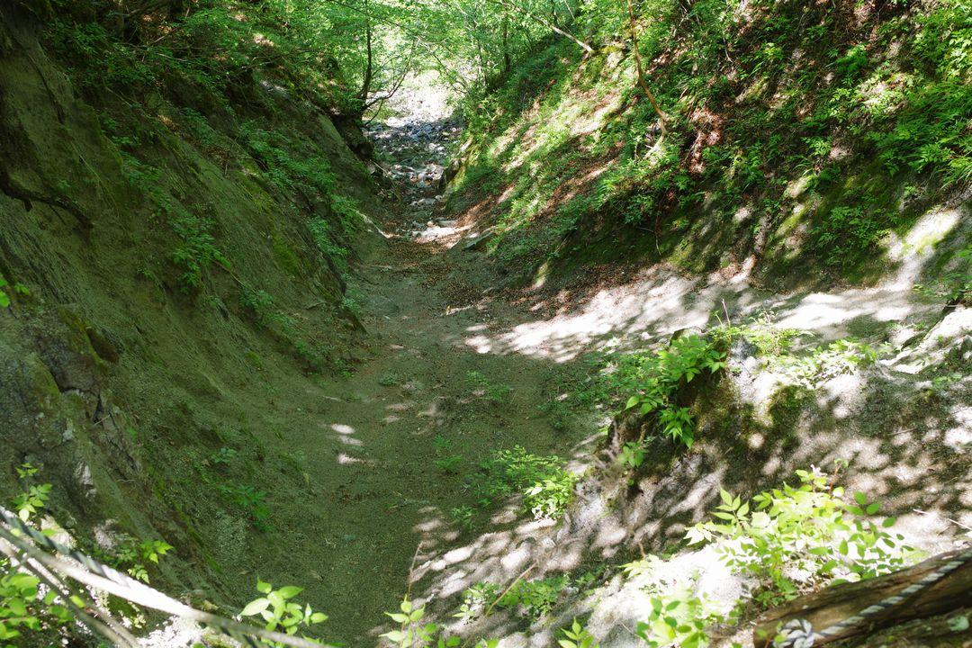 丹沢主稜縦走路の崩壊地
