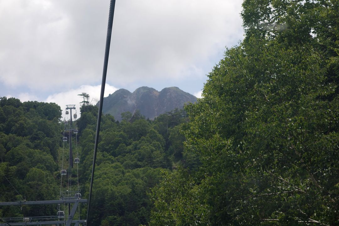 丸沼高原ロープウェイから見た白根山
