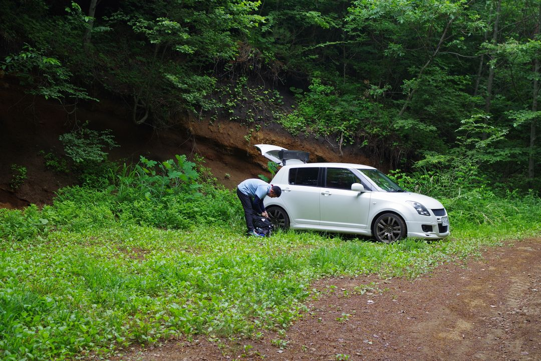 杓子山 林道上部の駐車スペース