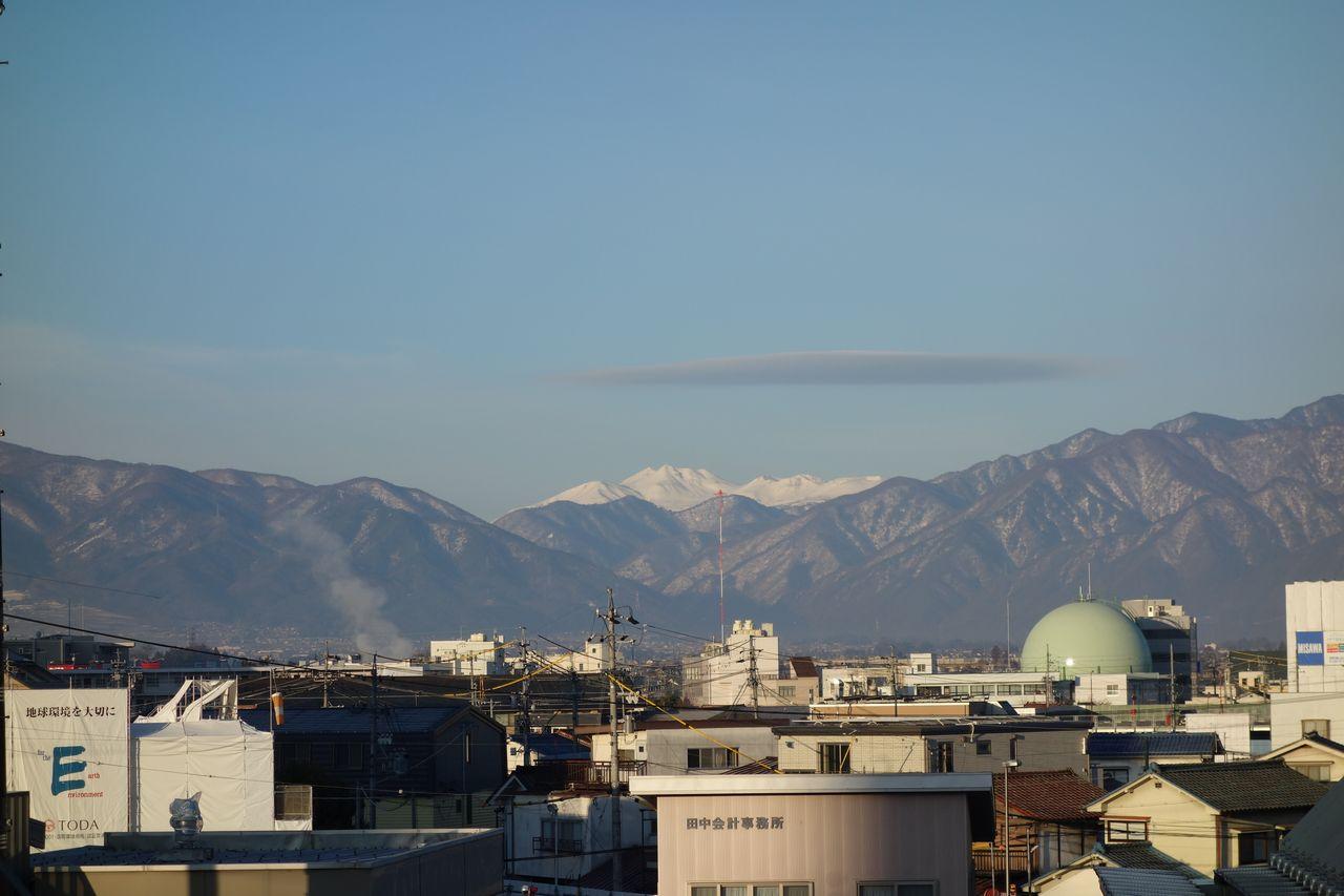 松本駅から見た乗鞍岳