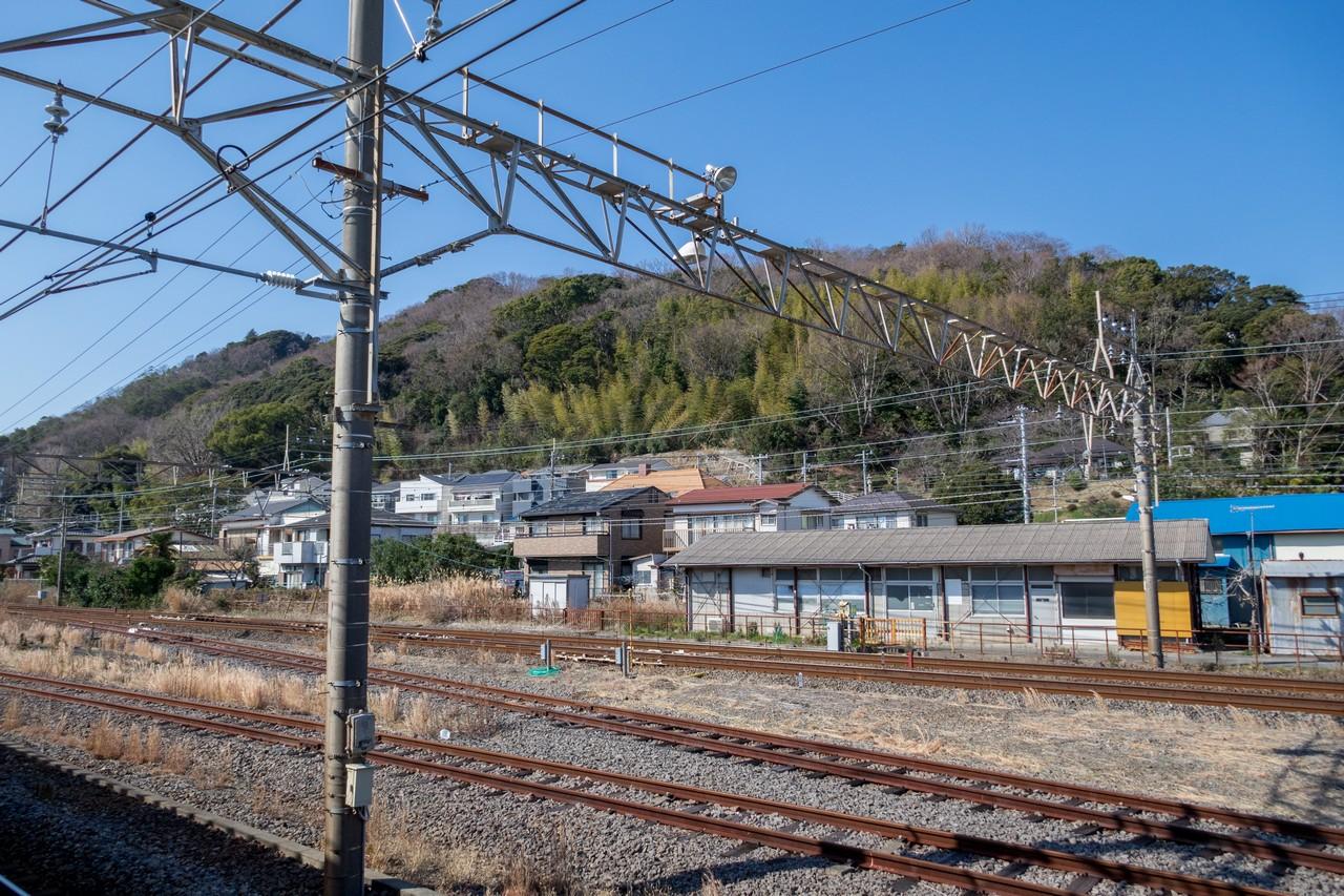 二宮駅から見た吾妻山