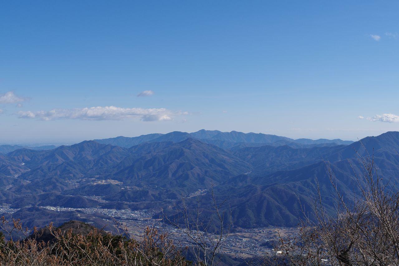 三ッ峠山 開運山から見た道志山塊