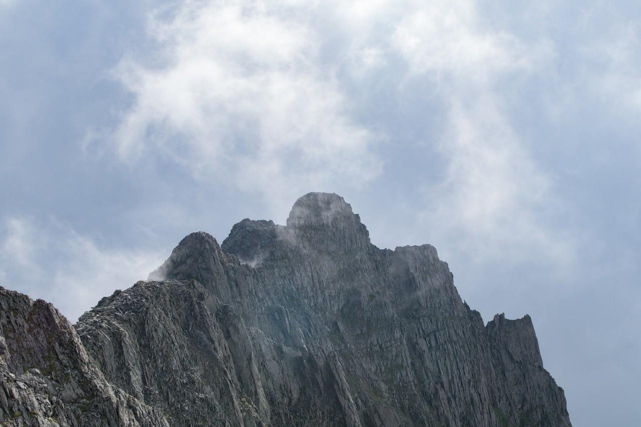 奥穂高岳から見たジャンダルム