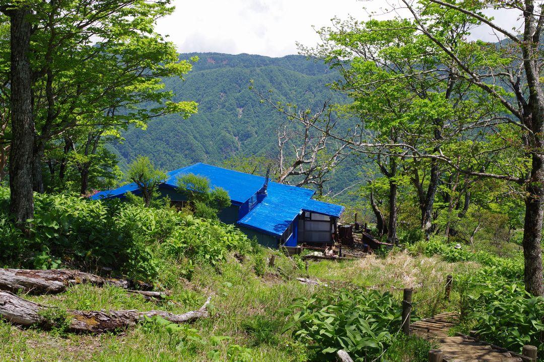 檜洞丸 青ヶ岳山荘