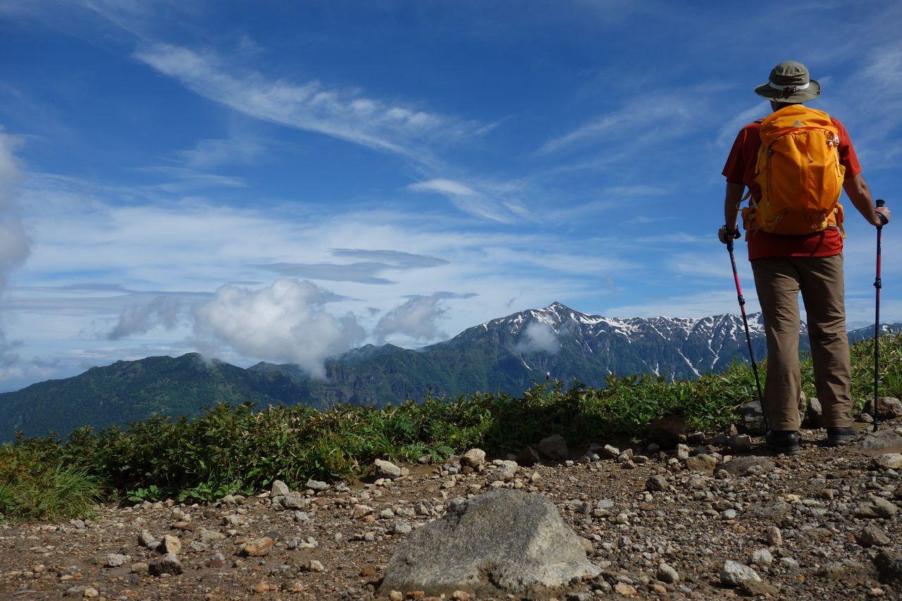 焼岳の展望台から見た笠ヶ岳