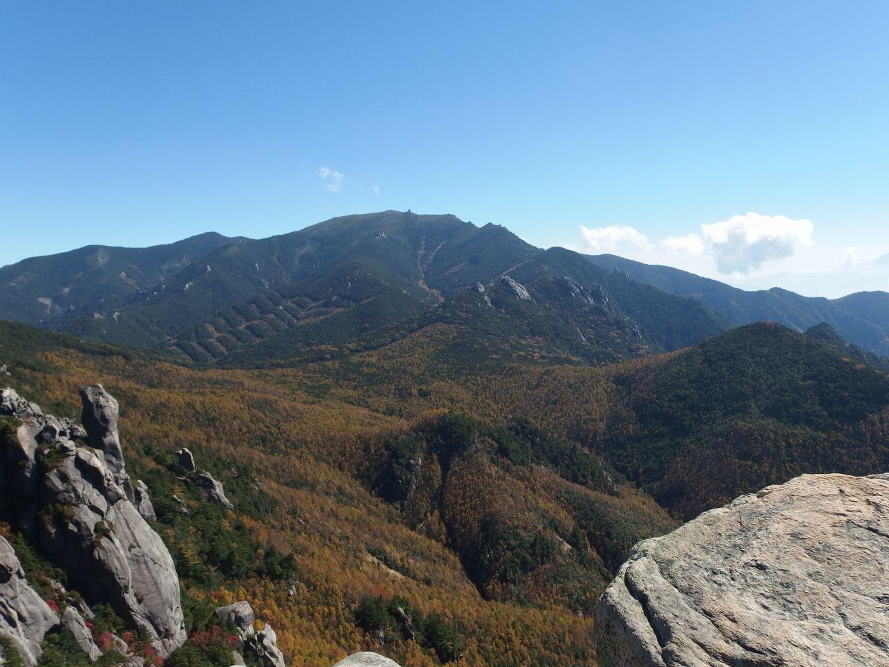 瑞牆山から見た金峰山