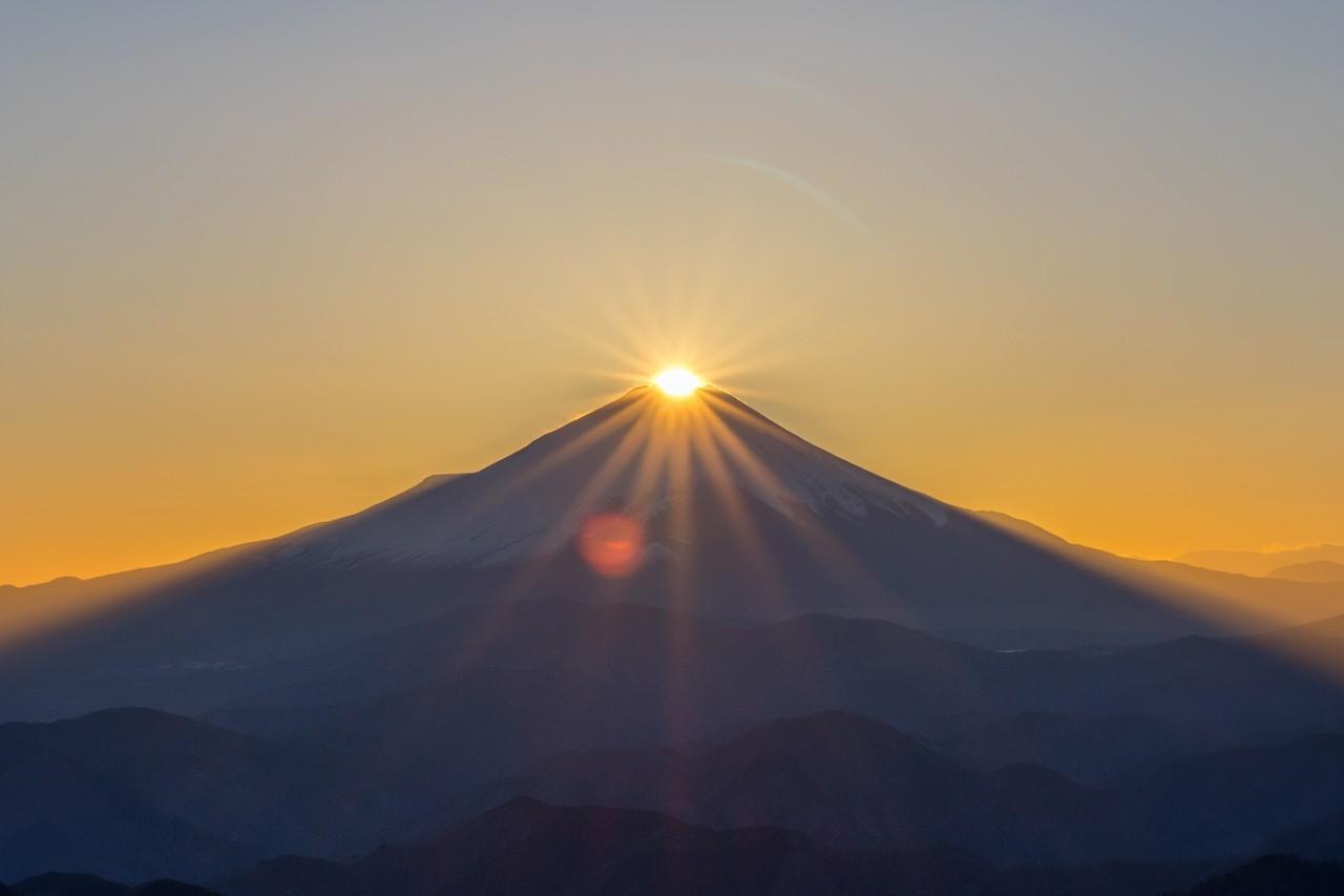 塔ノ岳山頂からのダイヤモンド富士