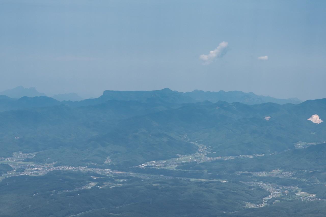 大岳から見た荒船山