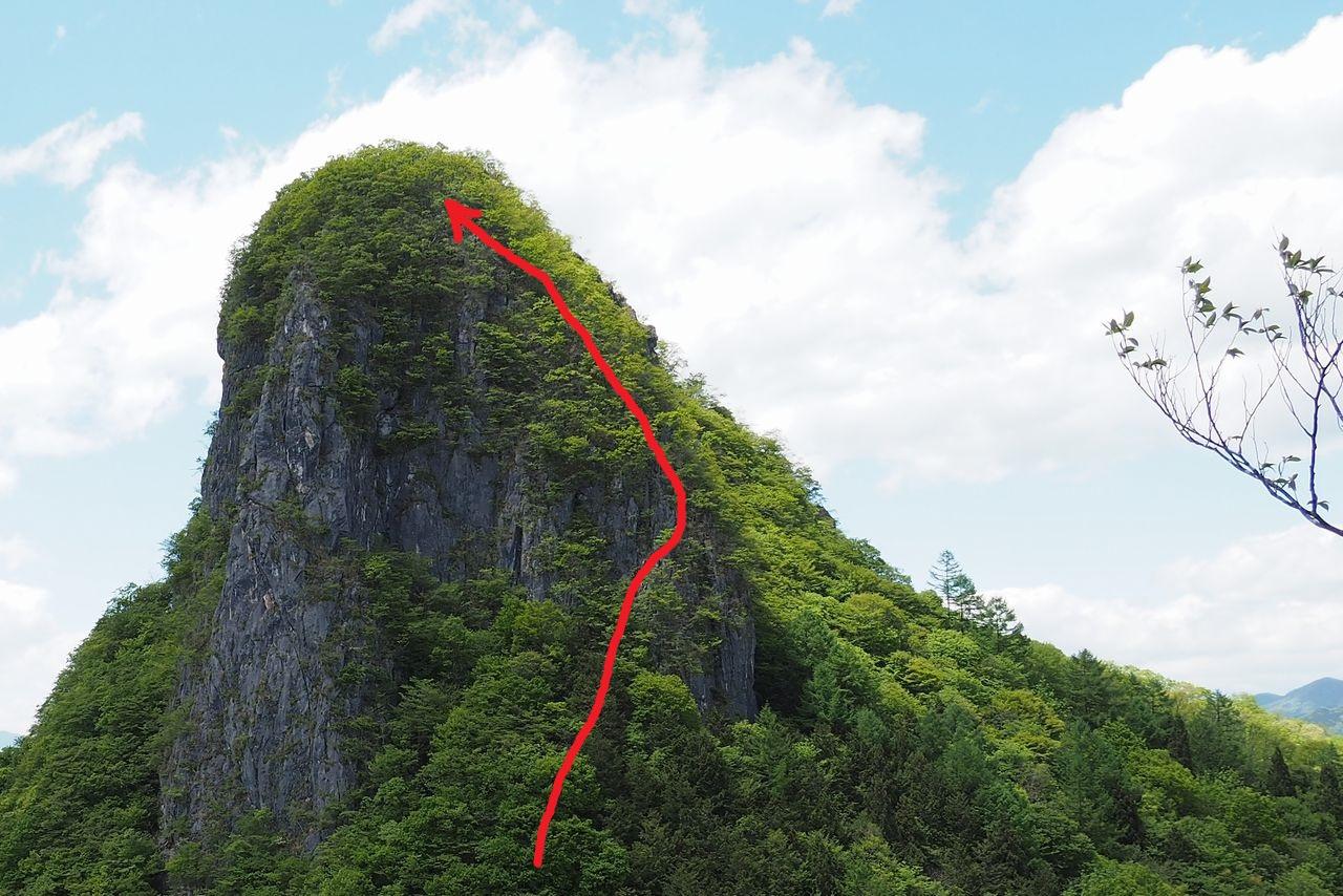 二子山 東岳から見た西岳の上級者コース