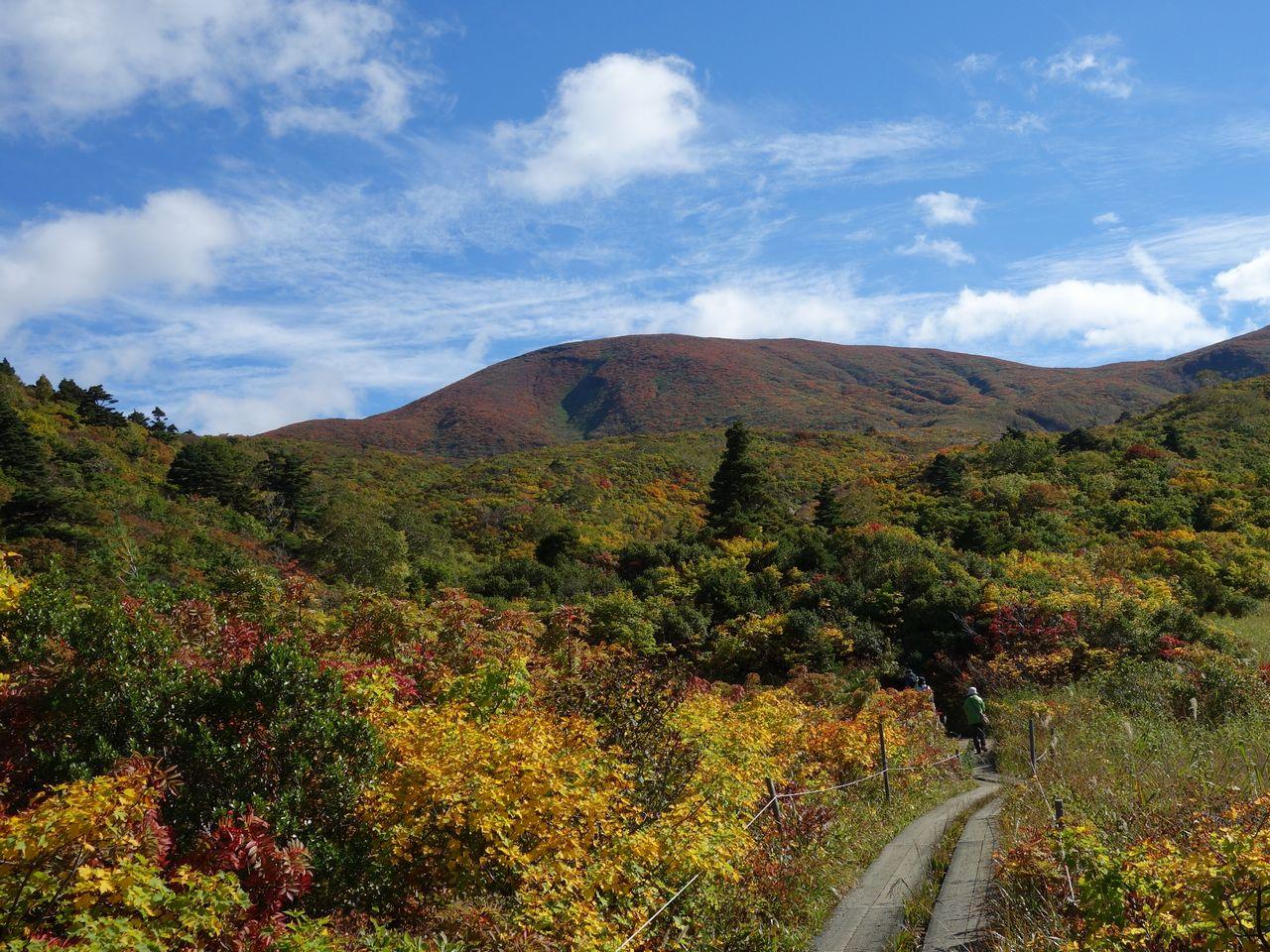 須川温泉から見た栗駒山