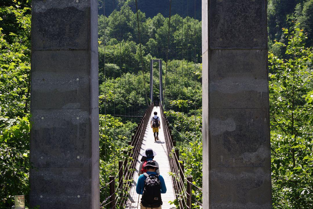 白山 砂防新道入り口の吊橋