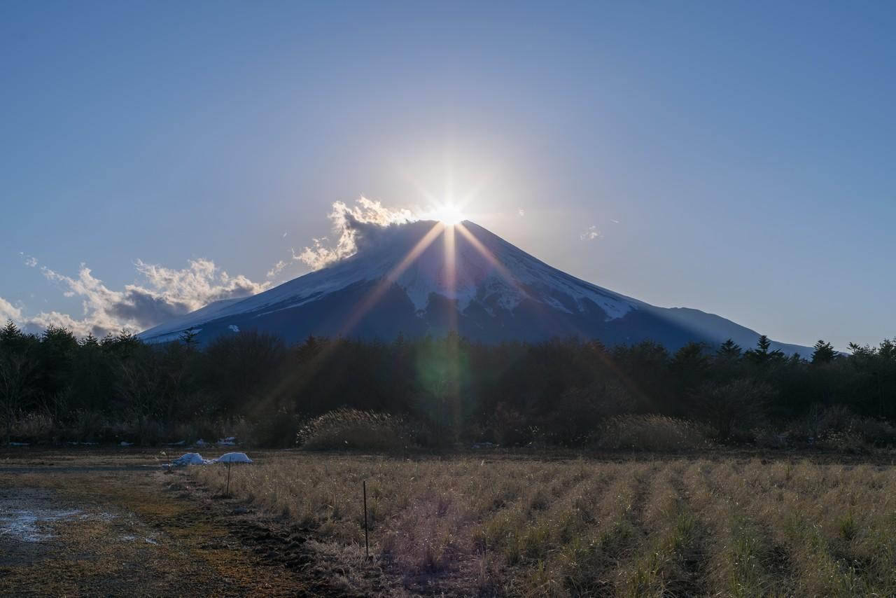 花の都公園から見たダイヤモンド富士