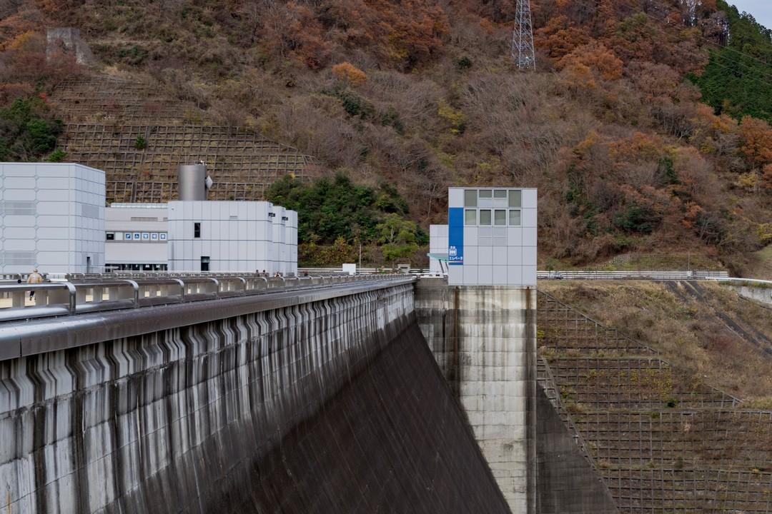 宮ヶ瀬ダムのエレベーター