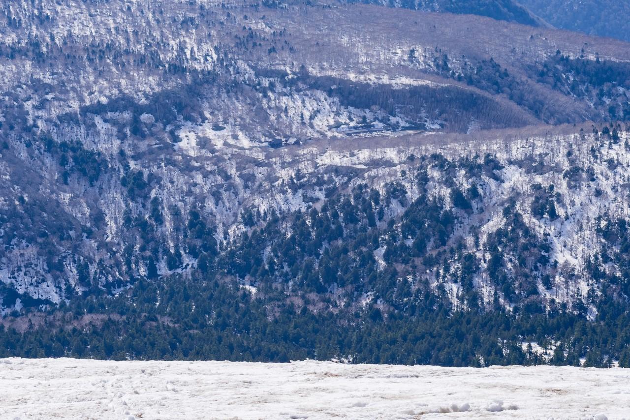 至仏山から見た鳩待峠