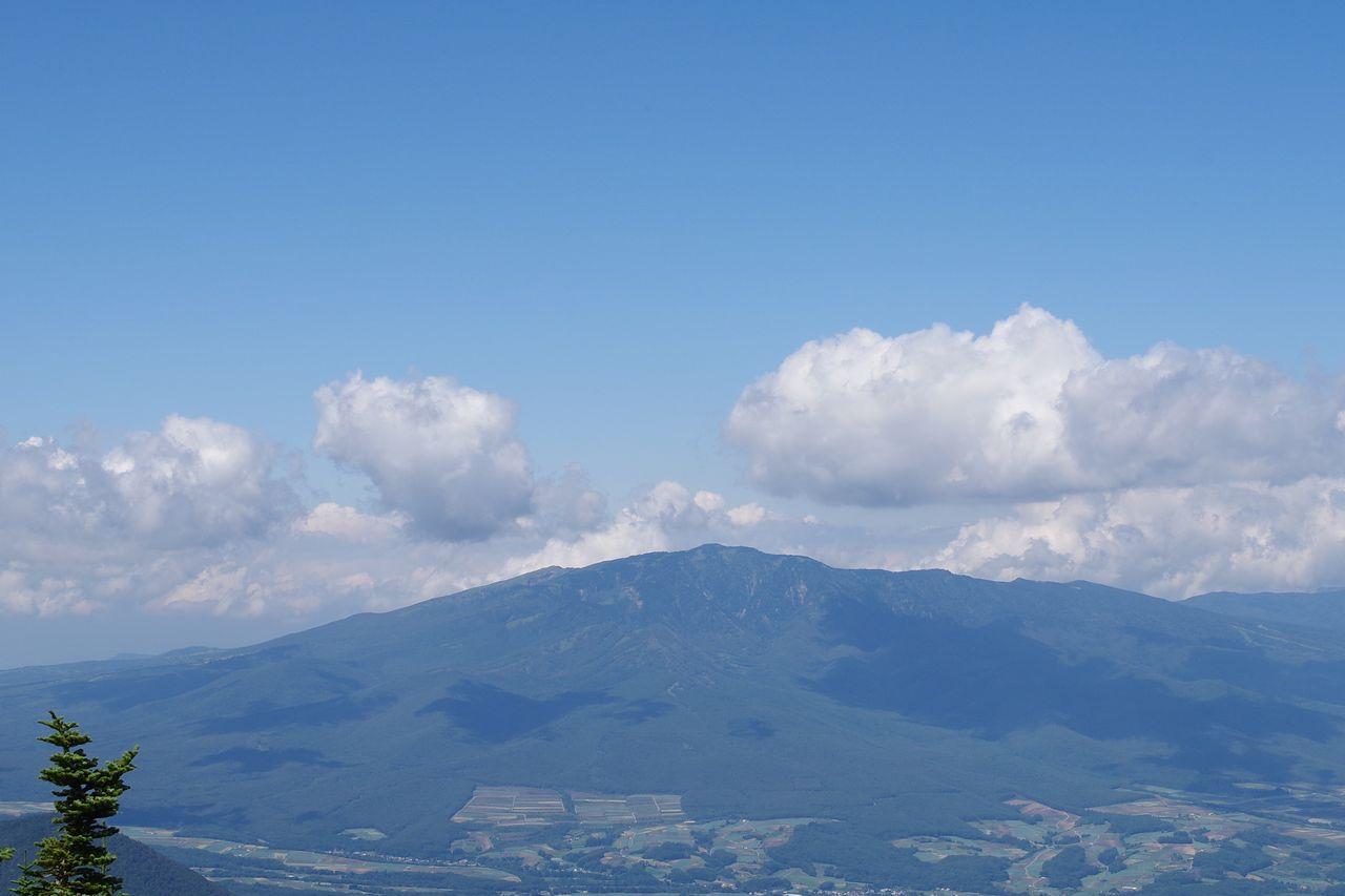 字浅間外輪山から見た四阿山