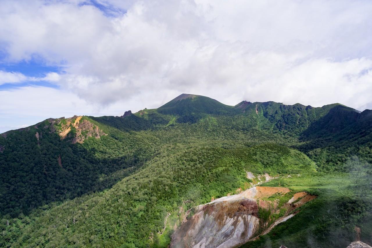 黒倉山から見た岩手山