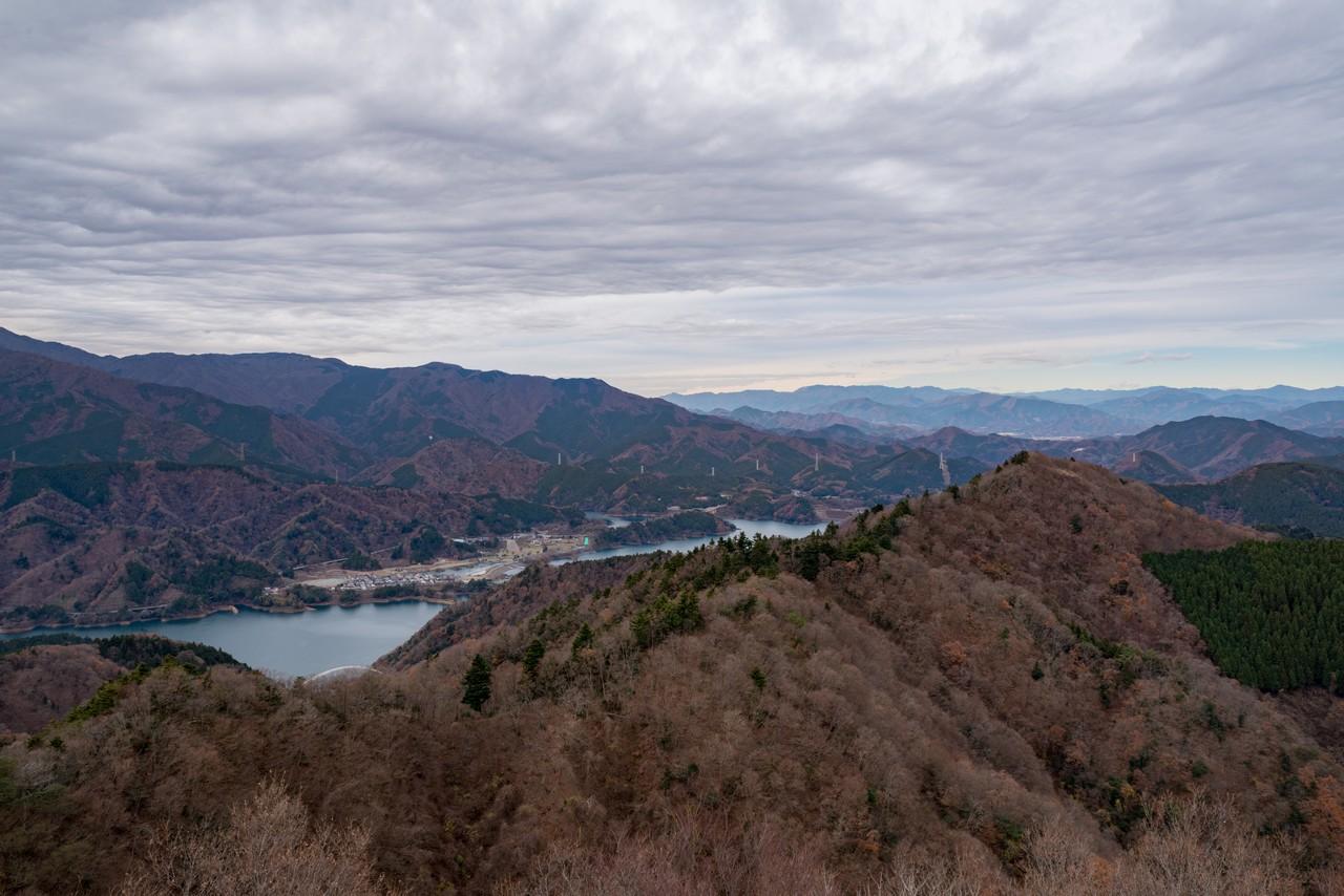 仏果山から見た高取山