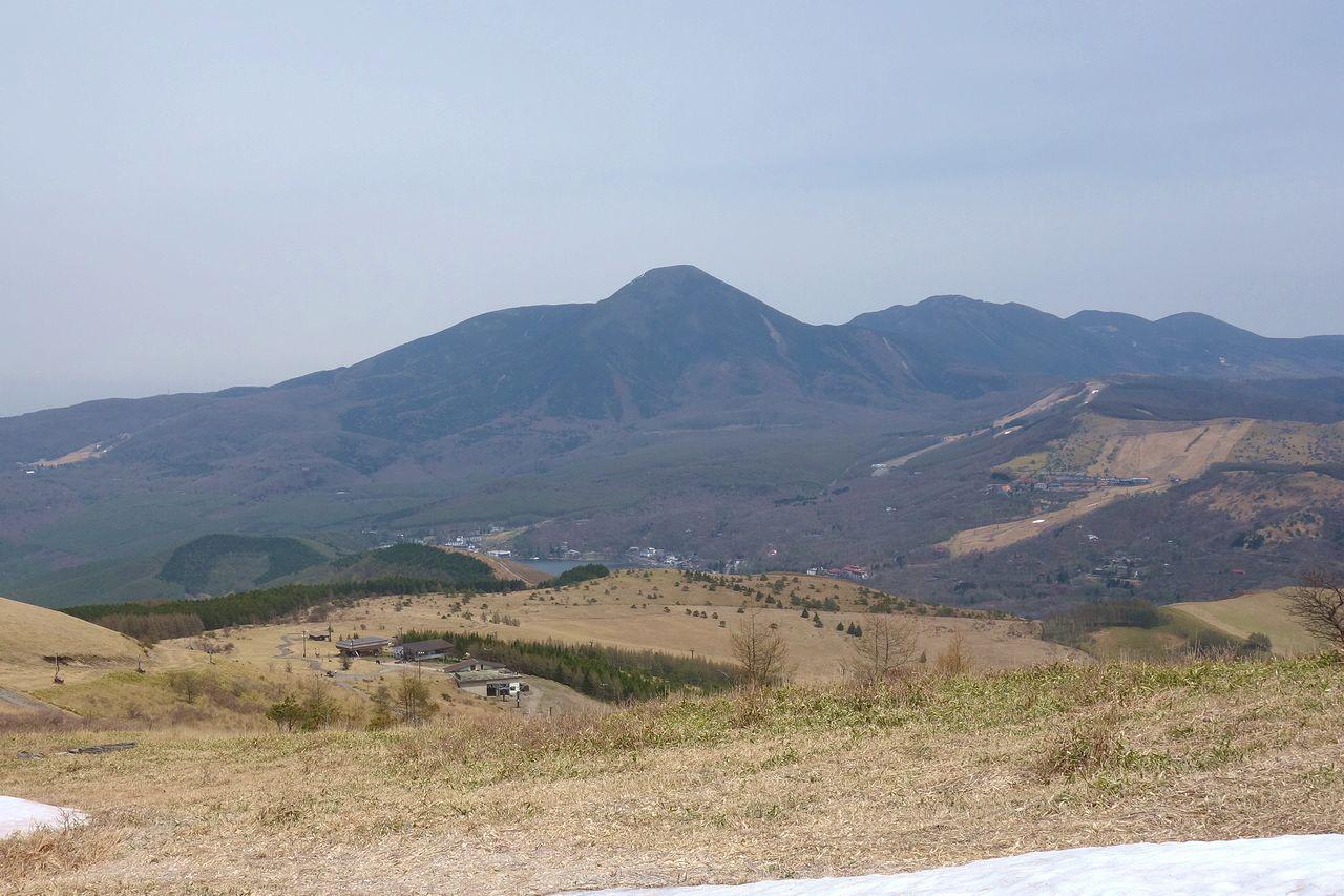 車山から見た白樺湖と蓼科山