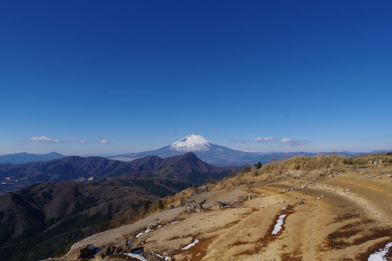 明神ヶ岳から見た富士山