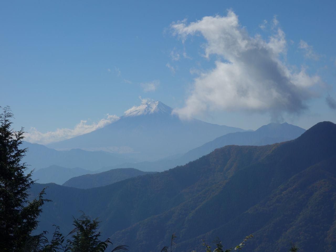 奈良倉山から見た富士山
