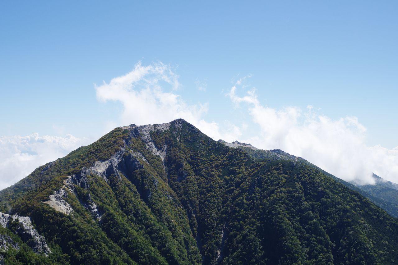 鳳凰山 高峰から見た観音岳と薬師岳