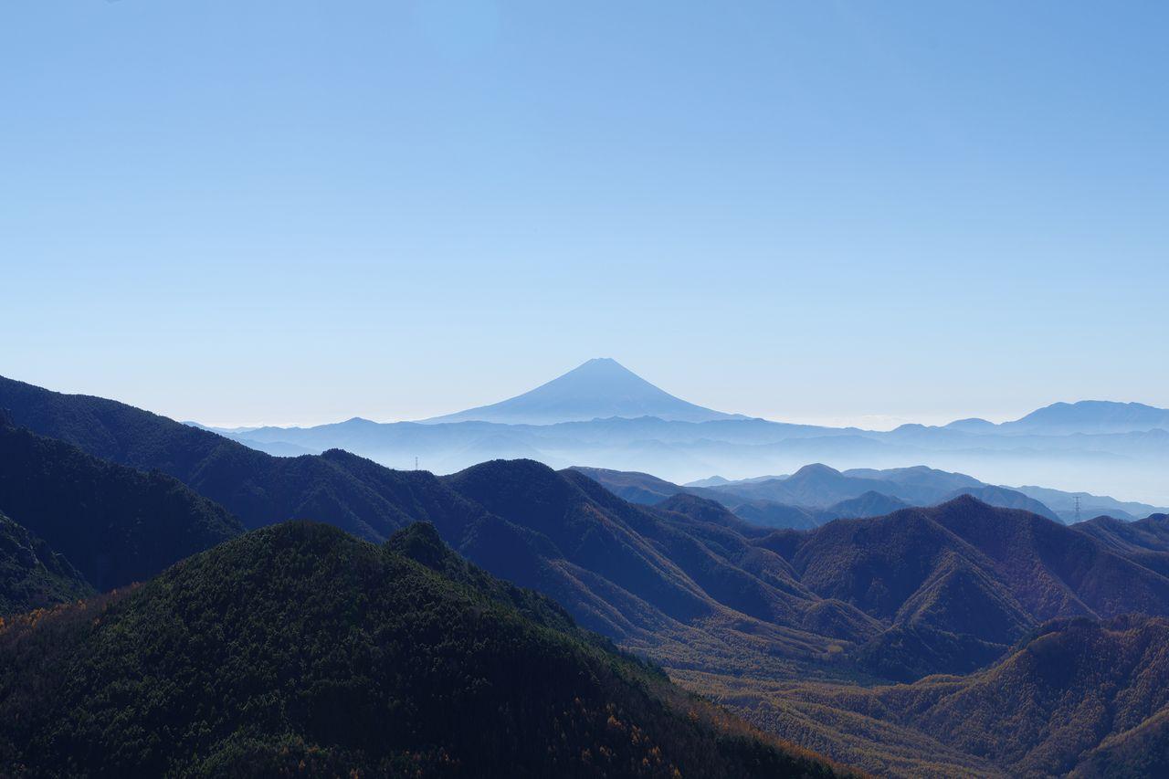 瑞牆山から見た富士山