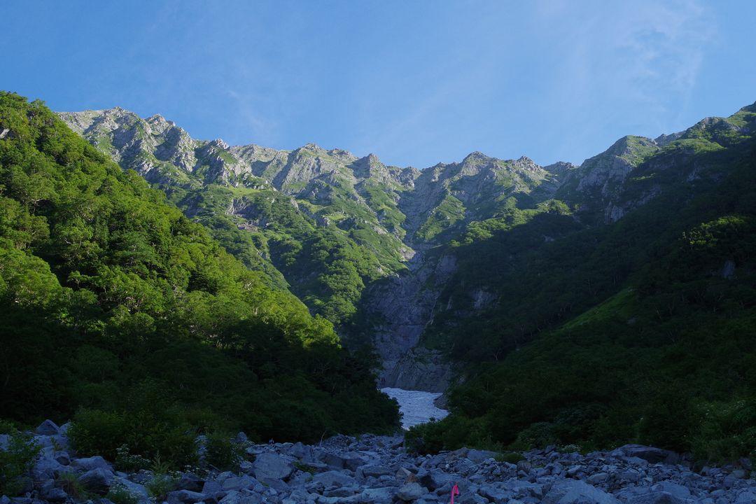 岳沢の雪渓