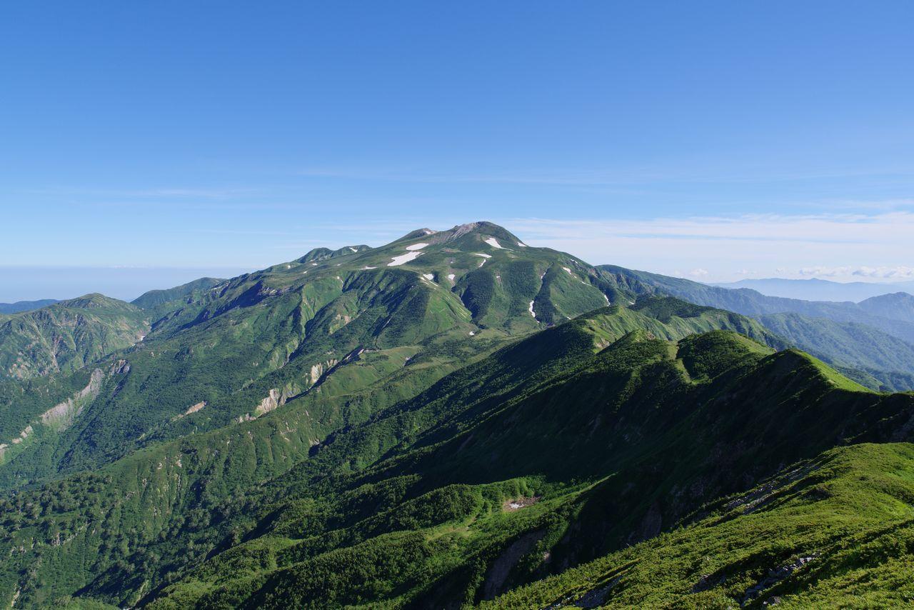 御舎利山から見た白山