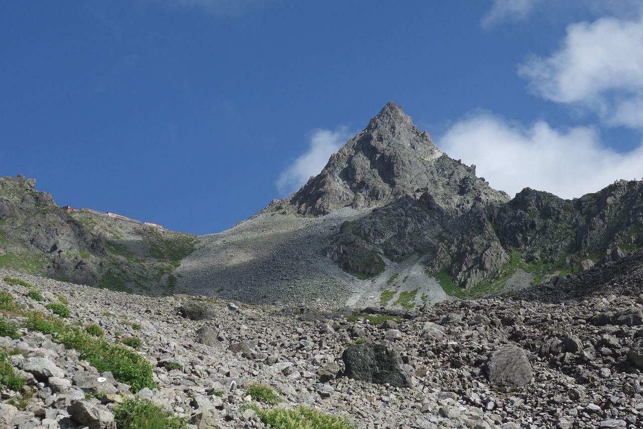 槍ヶ岳 槍沢コース上部から見た穂先