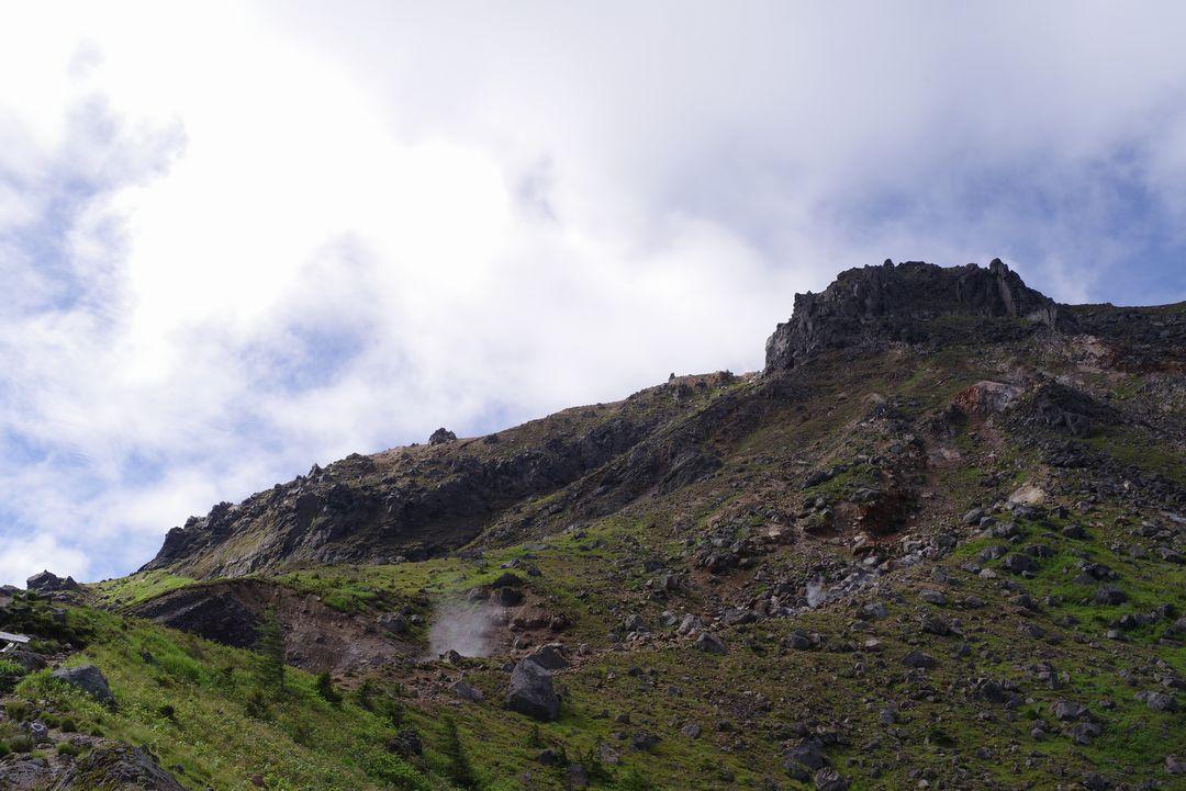 焼岳 山頂直下の登山道風景