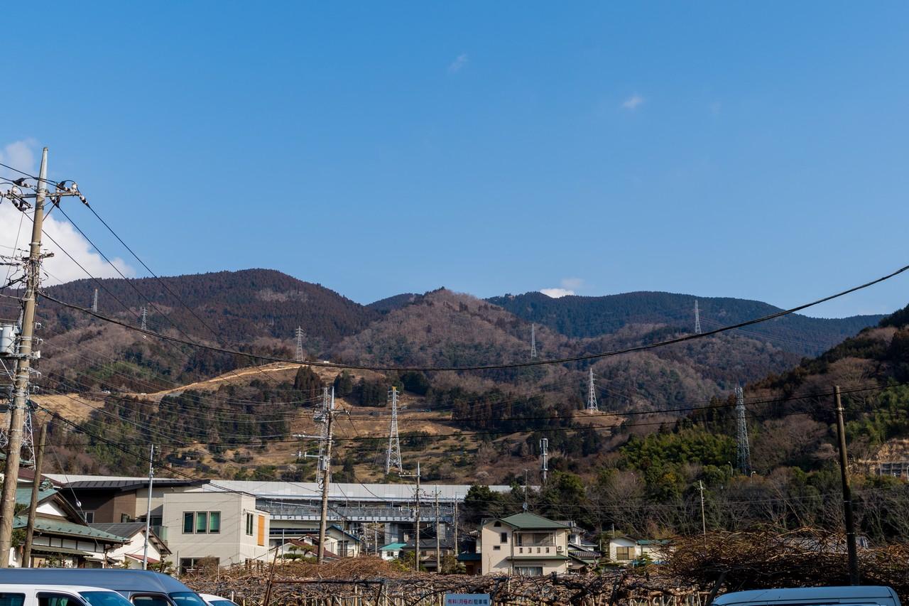 バス停から見た高松山