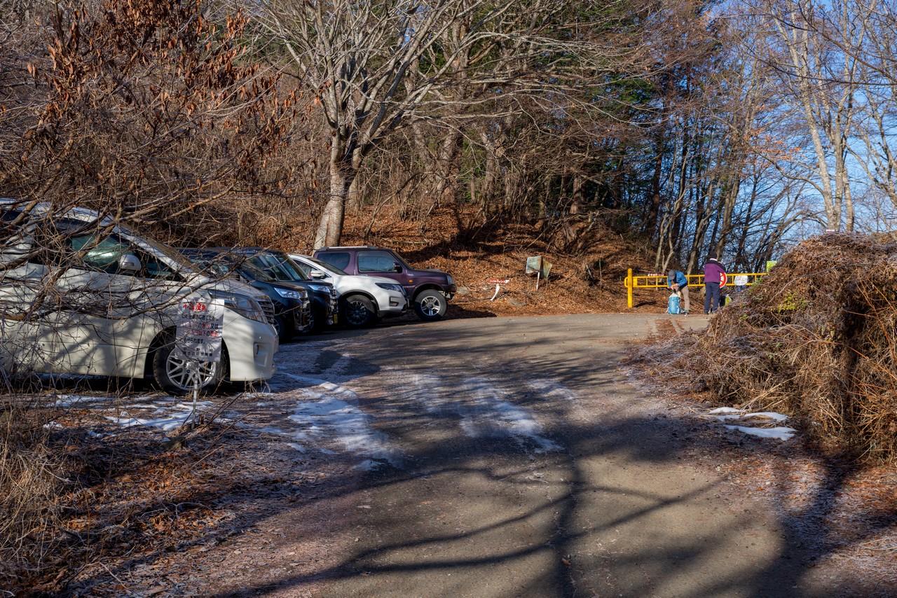 鳥居地峠の駐車スペース