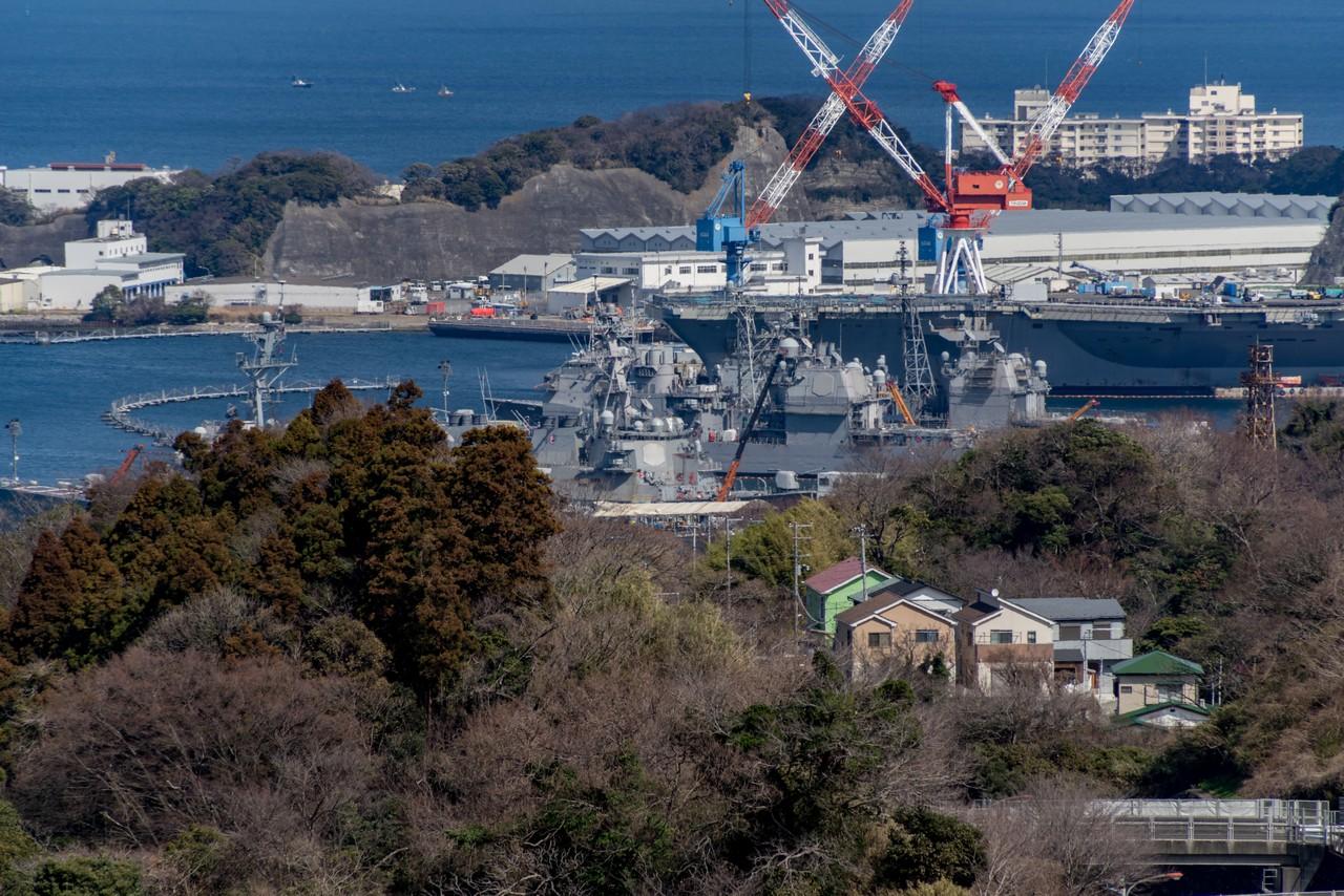 塚山公園から見た横須賀基地