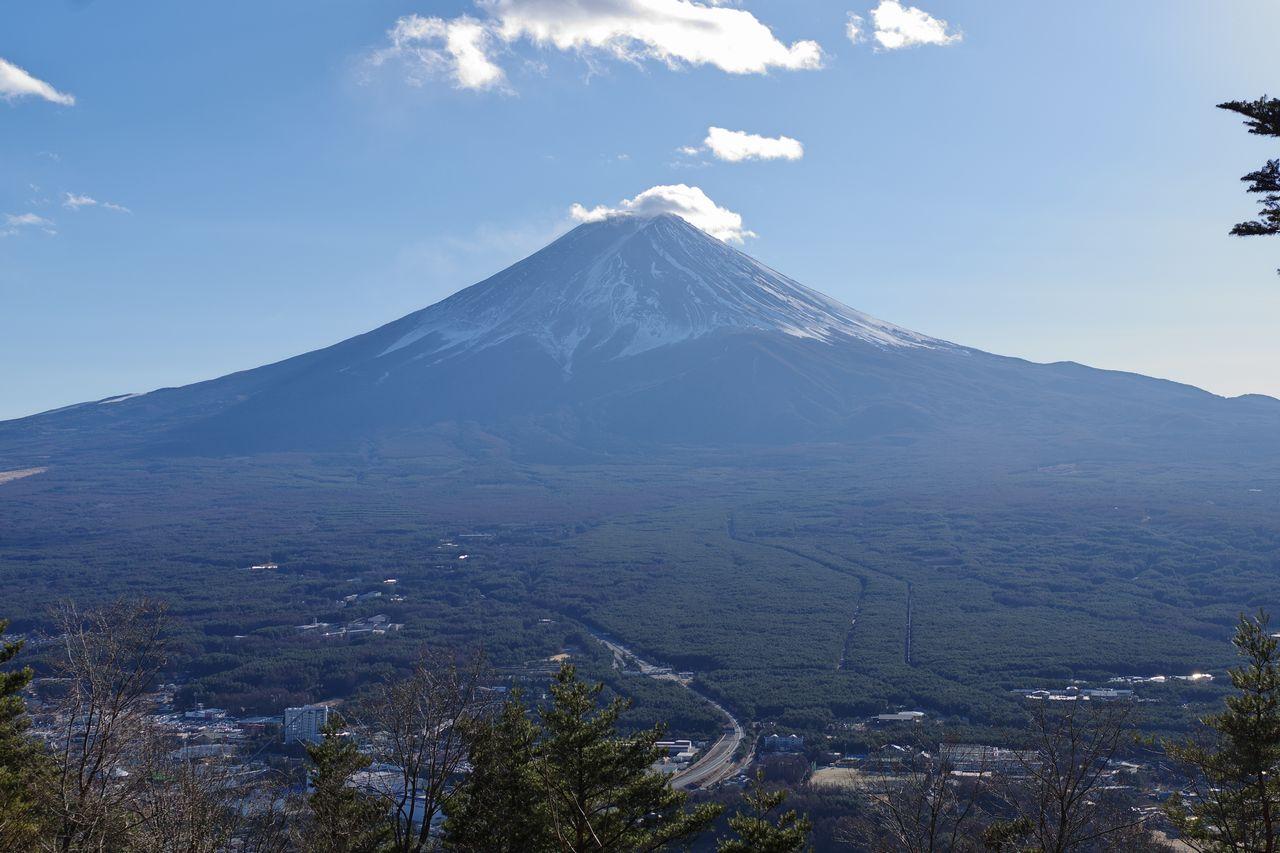 河口湖町 天上山から見た富士山