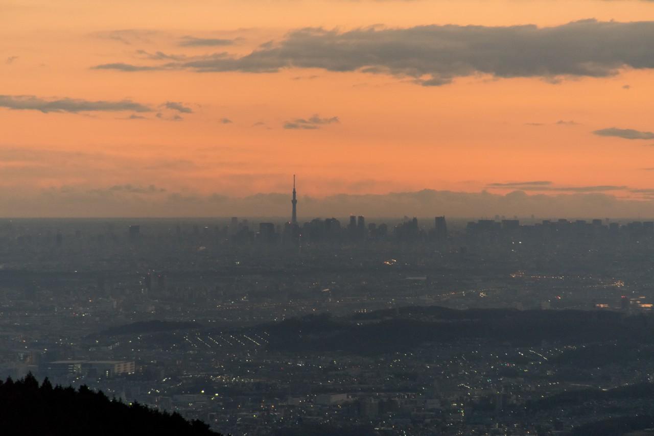 小仏城山から見た東京スカイツリー