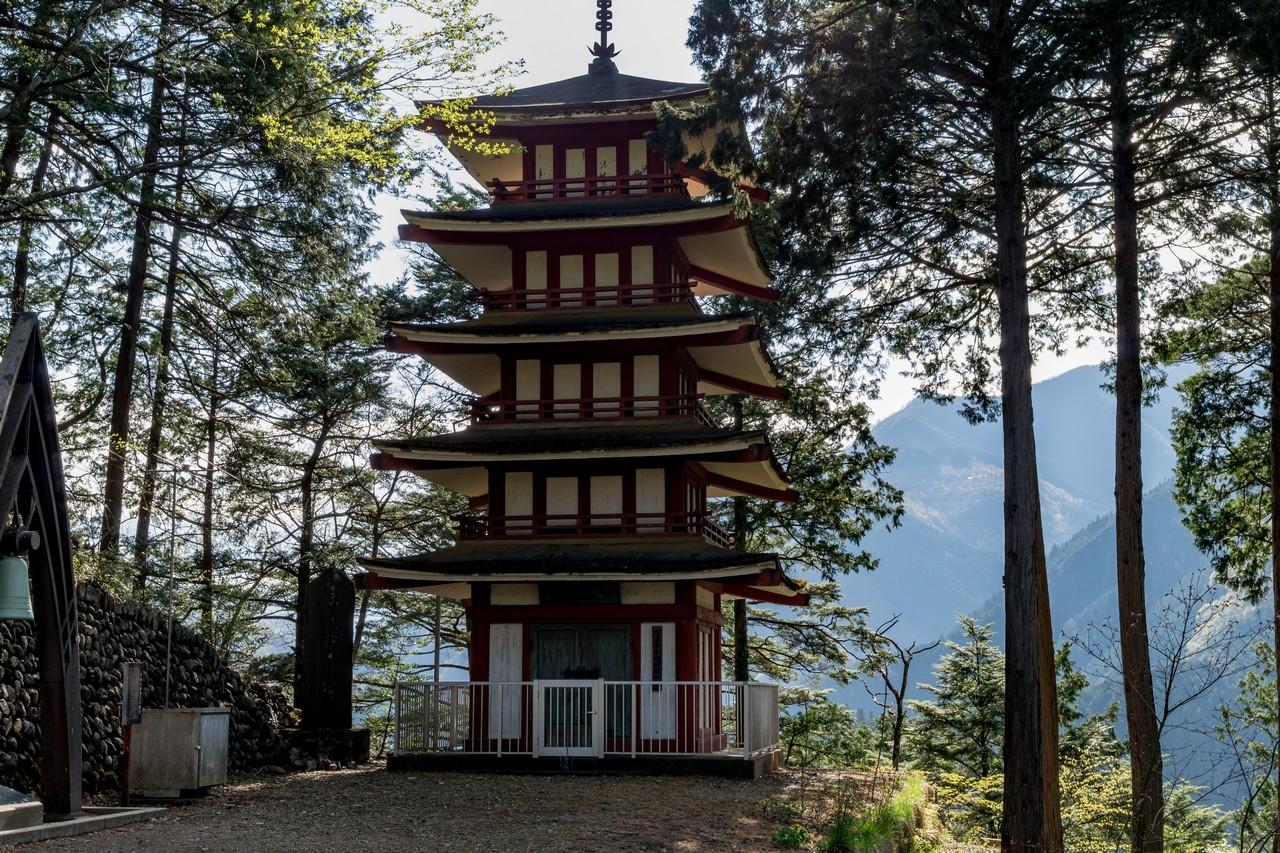 愛宕山の五重塔