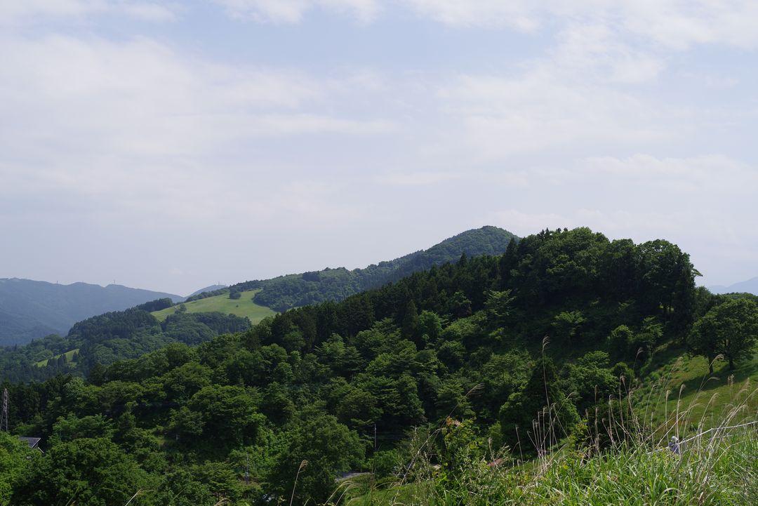 ふれあい牧場付近から見た大霧山