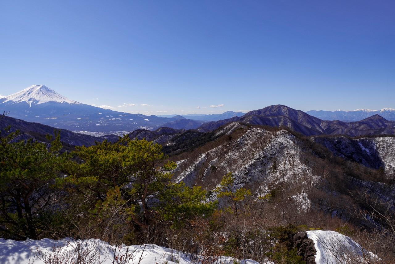 清八山山頂と富士山