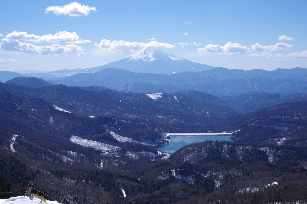 大菩薩嶺 カミナリ岩から見た富士山