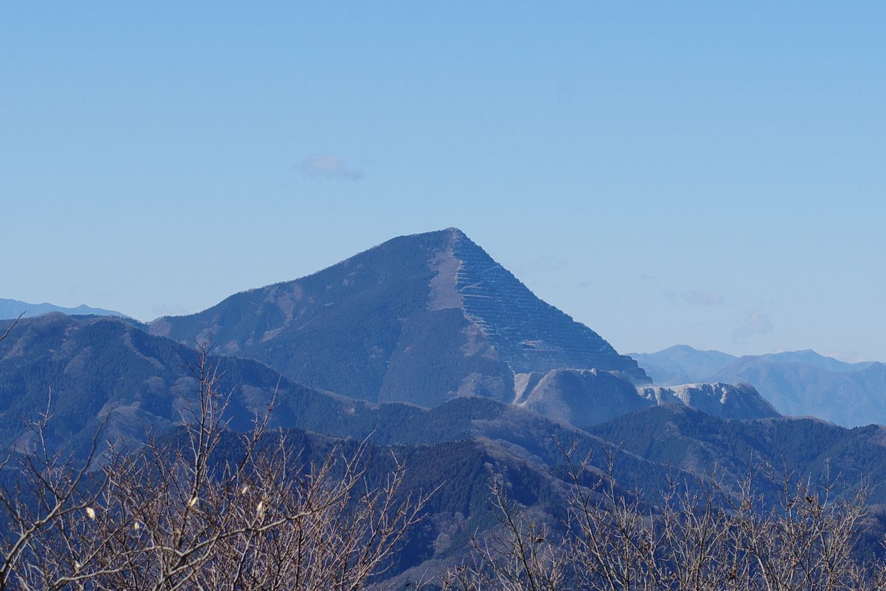 関八州見晴台から見た武甲山